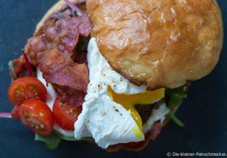 Der leckerste Burger mit pochiertem Ei und Bacon