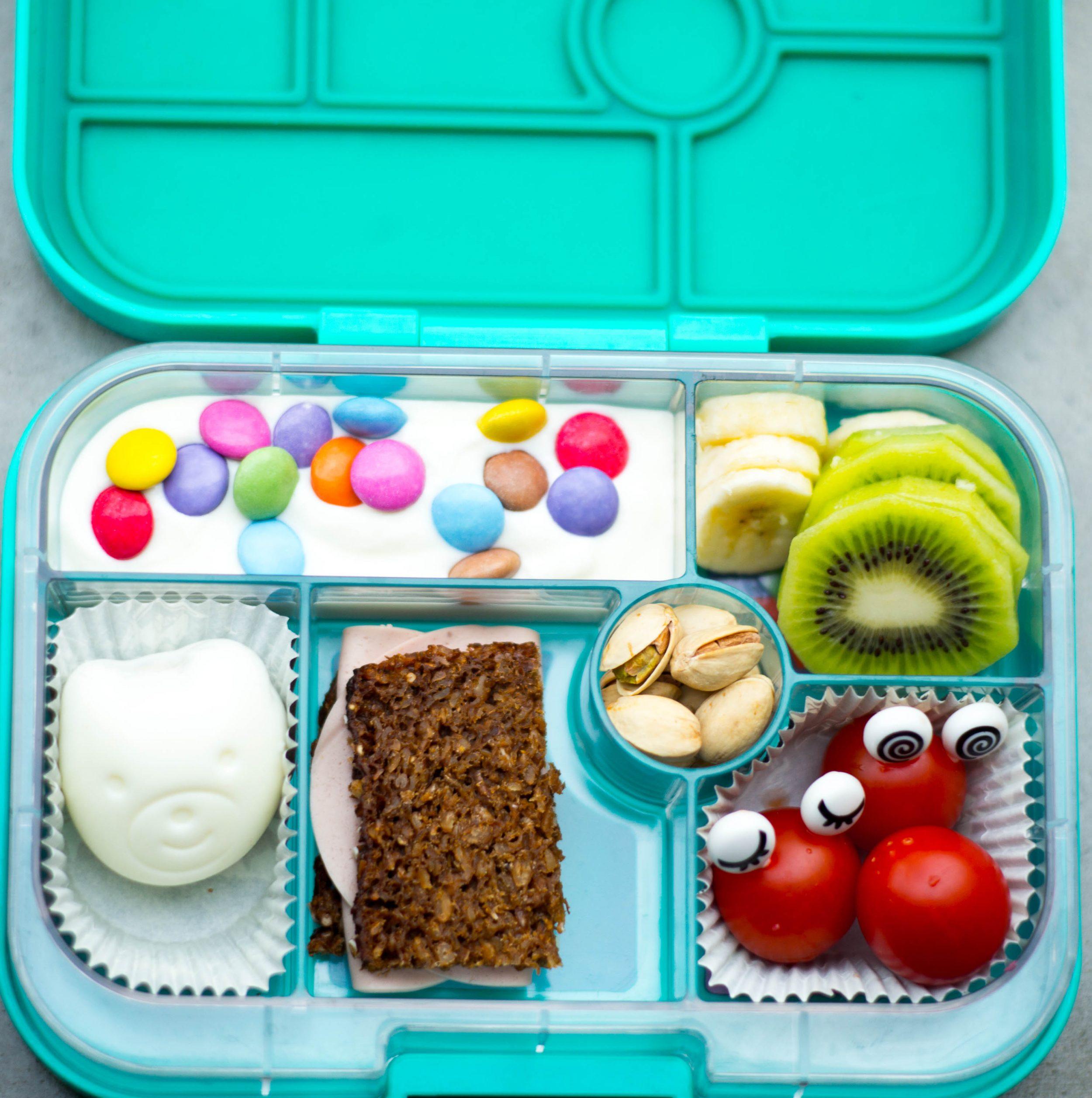 Lunchboxen mit Eiformer und Augen Foodpickern