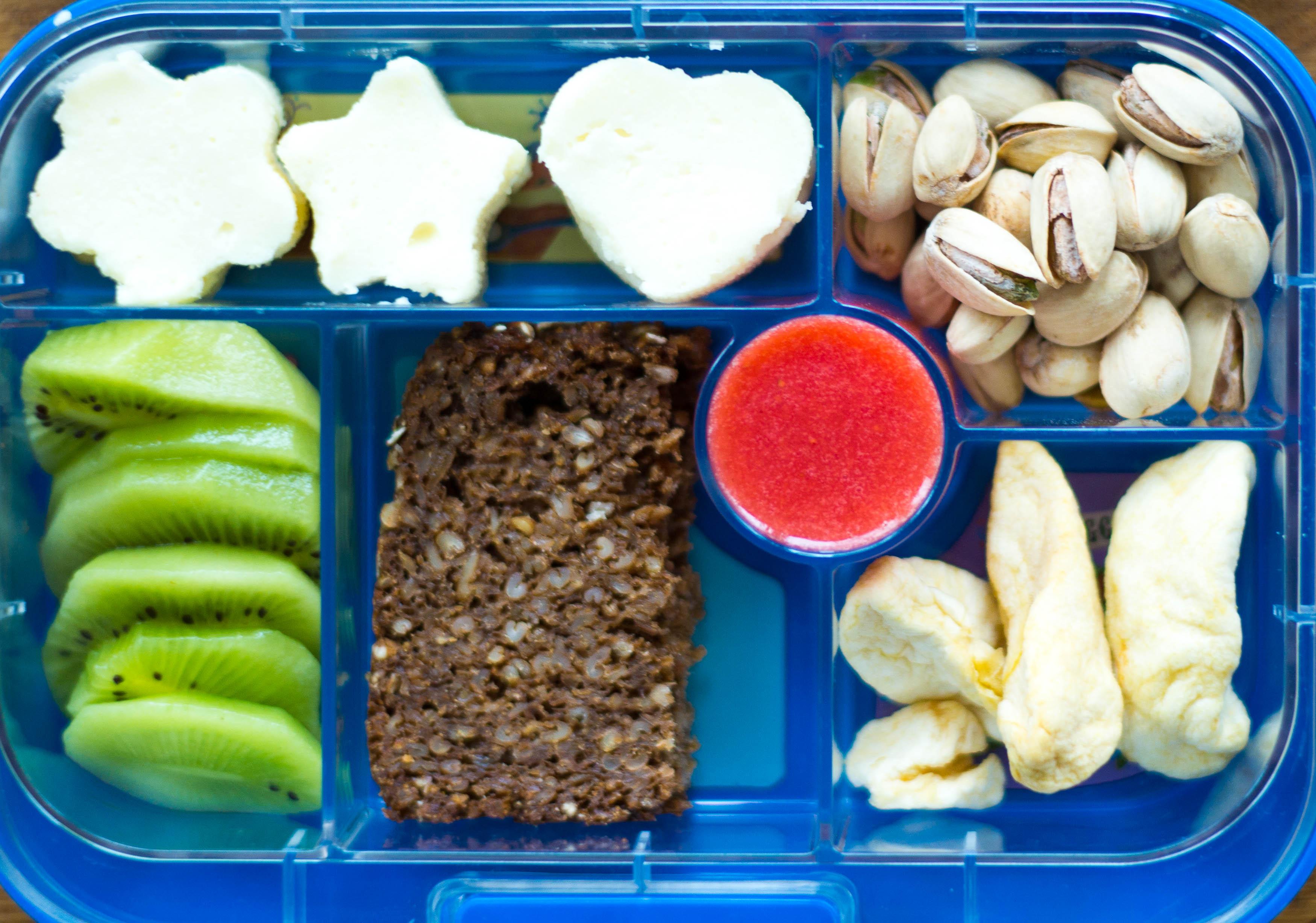 Lunchbox mit Grieß aus Reisformer