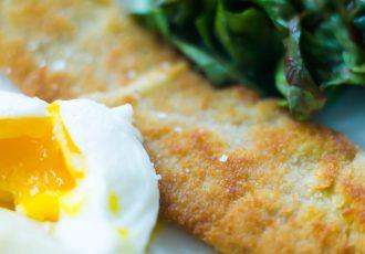 Schnitzel mit Spargel und pochiertem Ei