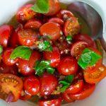 Einfacher Tomatensalat