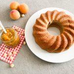 Aprikosenmarmelade-und-Nusskuchen