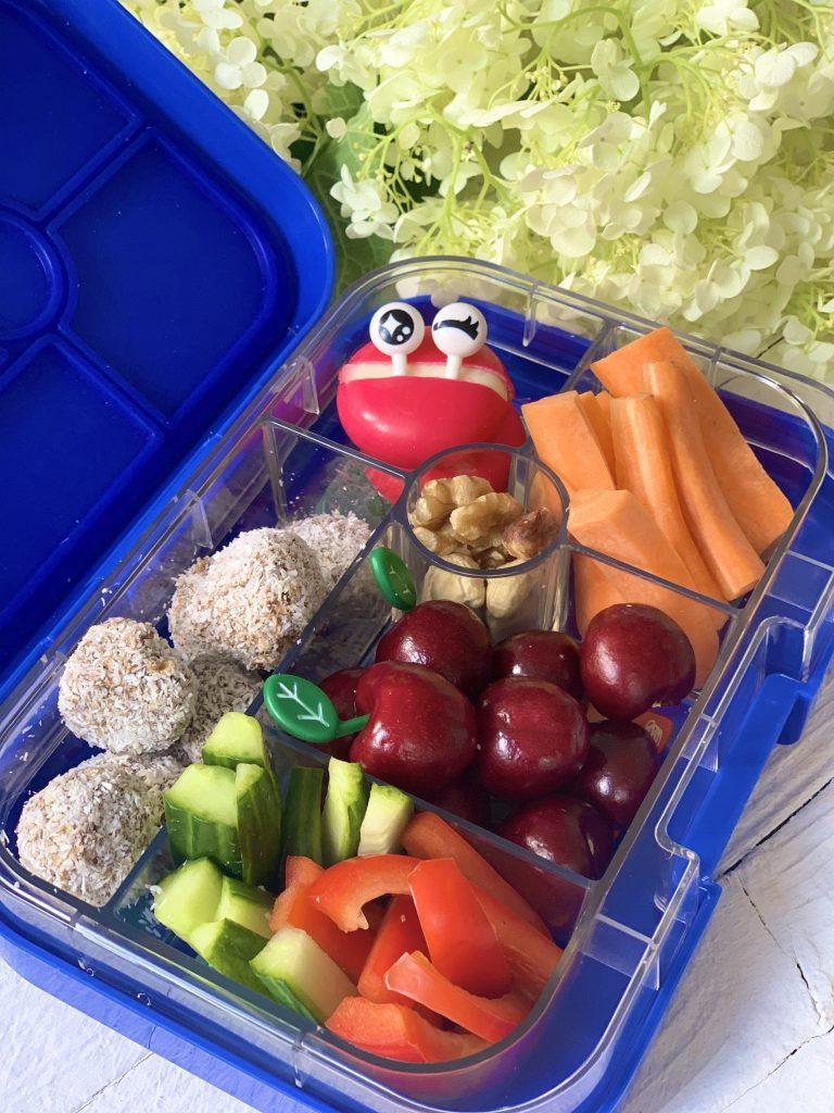 Lunchbox mit Müslikugeln